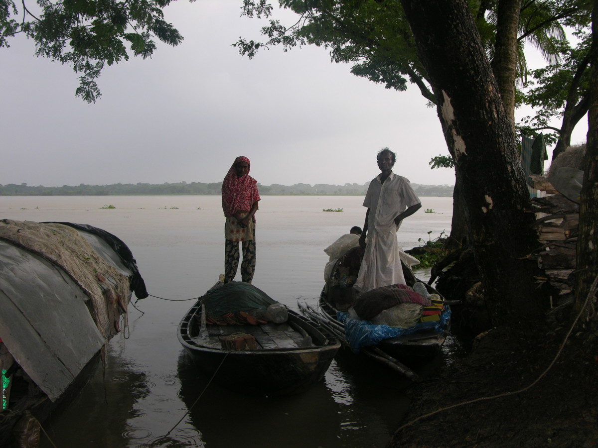 Surrounded by water -- Bangladesh then and now